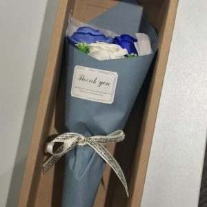 スタッフさんから頂きました😊石鹸でできた花びら🌸ありがとうございます😆